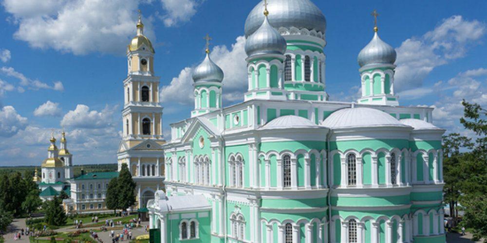Нужно ли детям знать историю русской Церкви? Жития святых? Судьбы новомучеников?